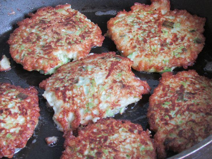 Как приготовить оладьи из кабачков с сыром