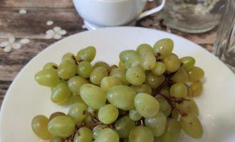 Как приготовить компот из винограда и яблок