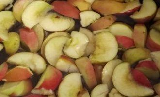 Пошаговый рецепт компота из яблок с клюквой