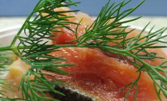 Рецепт малосольной красной рыбы с фото