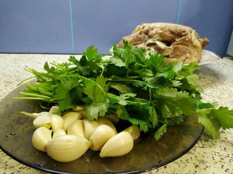 Рецепт свиной рульки в соевом соусе