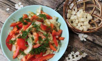 Салат из лука и перца