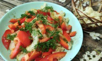 Салат из лука и болгарского перца