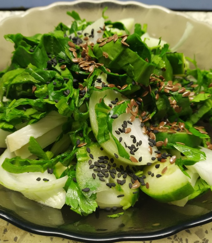Рецепт салата с огурцами