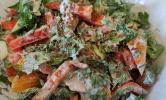 Вкусный салат из помидоров и перца