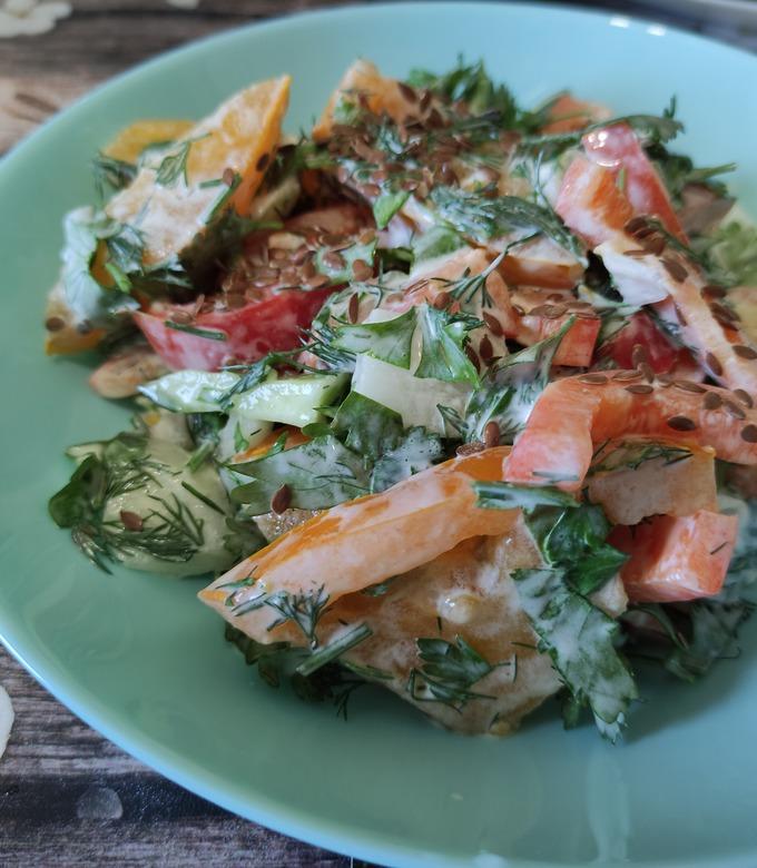 Салат из помидоров, перца, огурцов и лука пошаговый рецепт с фото