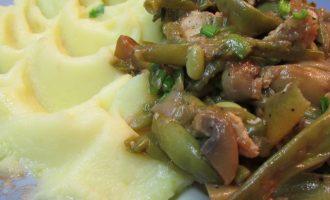 Теплый куриный салат