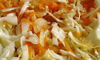 Рецепт капусты с сосисками